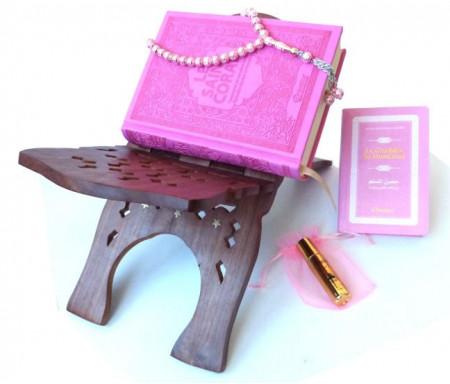 Coffret/Pack Cadeau Rose pour femme : Le Saint Coran et La Citadelle du musulman (arabe-français-phonétique) + Musc parfum (avec étui rose) + Porte-Coran + Chapelet de luxe rose