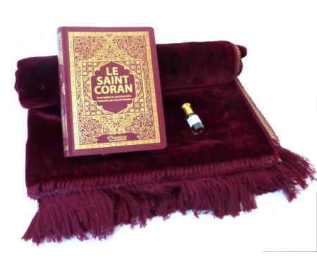 Pack Cadeau : Le Saint Coran (français-arabe-phonétique) bordeaux + Tapis de prière en velours bordeau + Parfum musc mixte (3ml)
