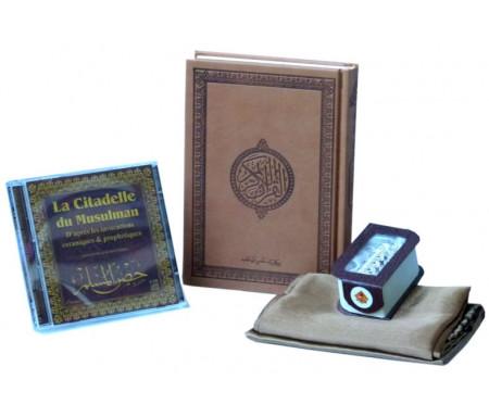 """Pack Cadeau : Le Saint Coran version arabe marron (Hafs) + La citadelle du Musulman (2CD) + Tapis fin de poche + Porte clé parfum """"Musc Blanc"""""""
