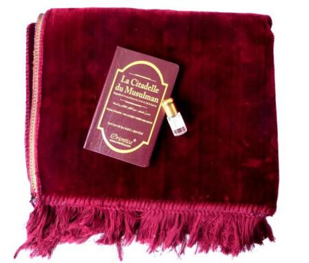 """Pack Cadeau : Tapis uni en velours bordeaux + livre d'invocations """"La Citadelle"""" + Parfum Musc concentré"""