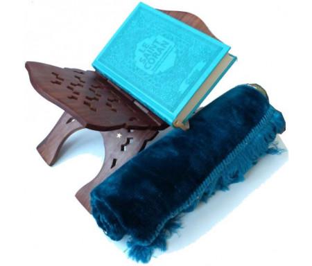 Pack cadeau bleu : Le Saint Coran (arabe-français-phonétique) couverture daim de luxe + Porte-Coran en bois sculpté + Tapis uni en velours