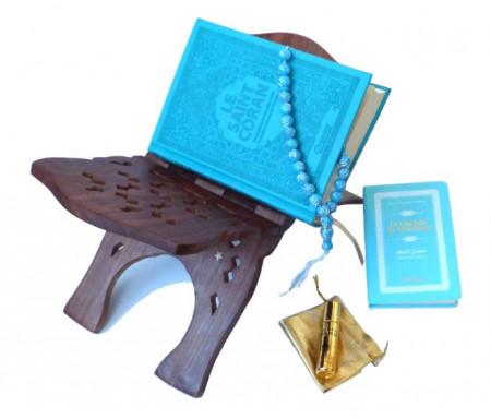 Pack Cadeau de Luxe Couleur Bleu (mixte) : Le Saint Coran et La Citadelle du musulman (français-arabe-phonétique) + Porte Coran en bois + Chapelet + Parfum au choix
