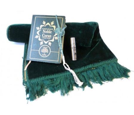 """Coffret cadeau Halal : La traduction des sens du Noble Coran en langue française + Tapis en velours vert + Grand chapelet """"Sebha"""" + Parfum concentré Musc d'Or """"Silver Stars"""""""