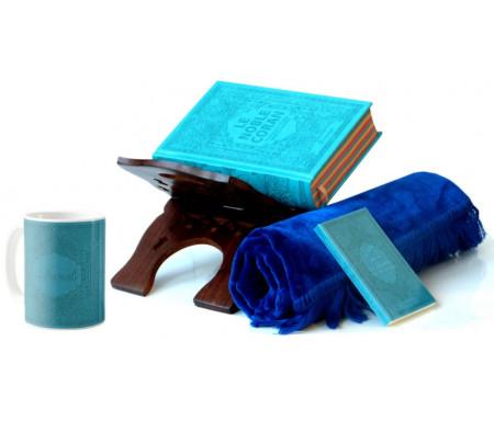 Coffret Cadeau Bleu pour Homme : Le Noble Coran Rainbow (avec couleurs Arc-en-ciel), Porte Coran, La Citadelle du Musulman,Tapis en velours et un mug personnalisé assorti