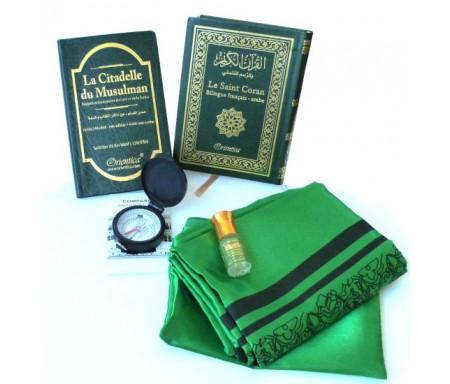 """Pack Cadeau voyageur vert : Le Saint Coran Bilingue (arabe-français) + La Citadelle du musulman + Tapis de prière de poche et boussole + Parfum """"Musk Mumtaz"""""""