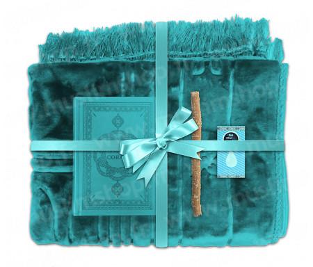 Coffret Pack Cadeau Bleu clair pour Homme ou Femme : Tapis épais molletonné Bleu clair / Coran arabe-français avec phonétique avec couverture cuir Bleu clair / Parfum et Miswak