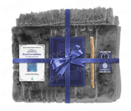 Coffret Pack Cadeau Gris et Bleu pour Homme : Tapis épais molletonné Gris / Coran arabe-français avec phonétique couverture cuir Bleu nuit / Riyad Es-Salihine / Parfum et Miswak