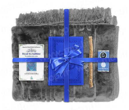 Coffret Pack Cadeau Gris et Bleu pour Homme : Tapis épais molletonné Gris / Coran arabe-français avec phonétique couverture cuir Bleu / Riyad Es-Salihine / Parfum et Miswak